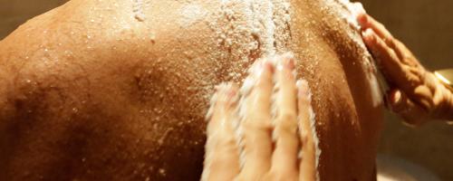 Beauty maandactie: Bodyscrub & wrap – nu met gratis sauna dagentree + strandtas